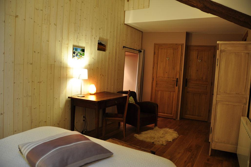 Chambre 3 avec WC + salle d