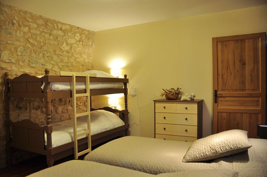 Chambre 1 avec 4 lits 90/190